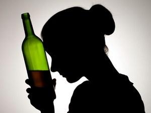 Женский алкоголизм: куда обратиться?